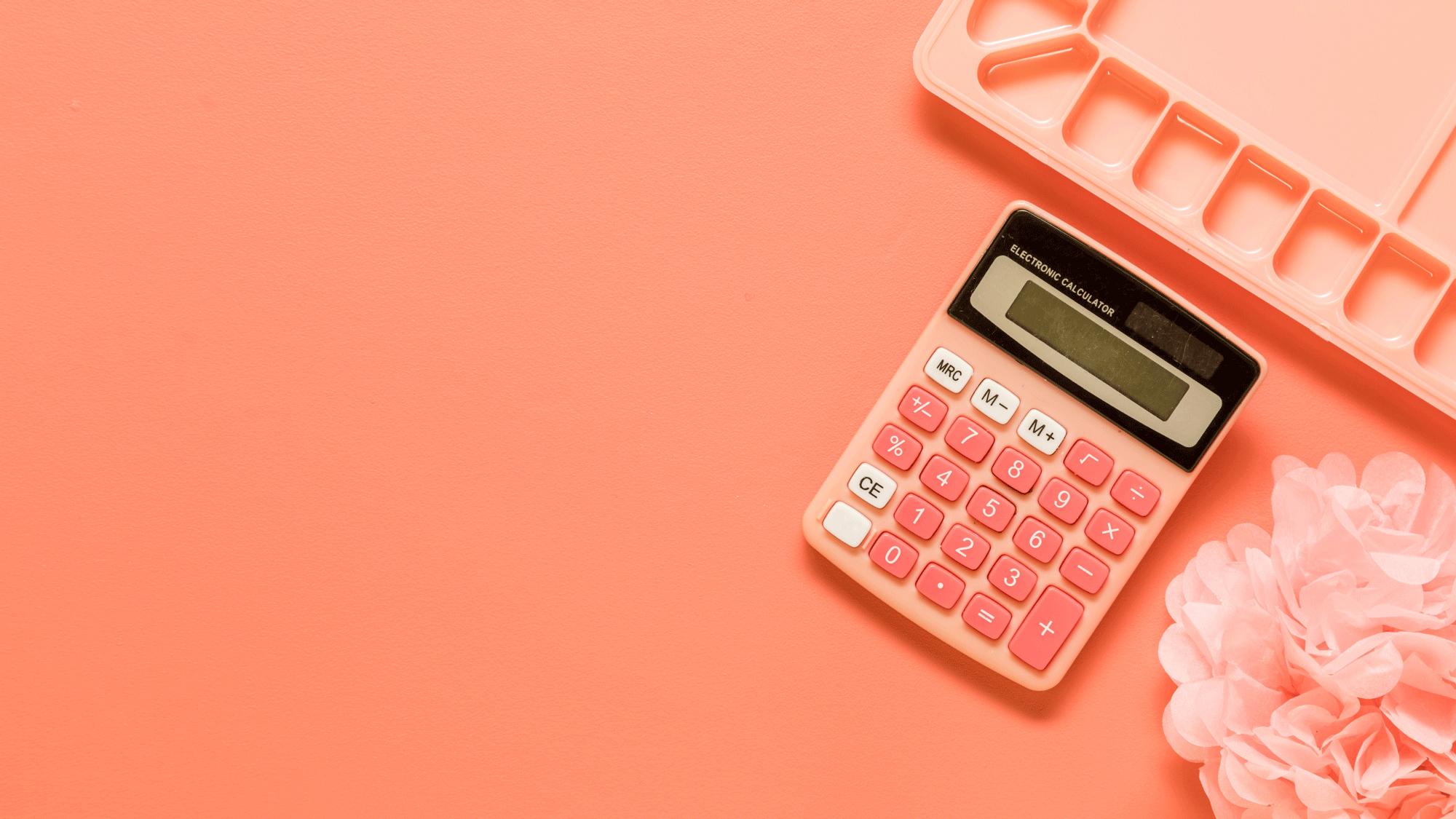 Jak ustalić cenę swojego produktu lub usługi - kalkulator, strategie cenowe, wycenianie wbiznesie, Kobieca Strona Biznesu, blog dla przedsiębiorczych kobiet, Karolina Kołodziejczyk